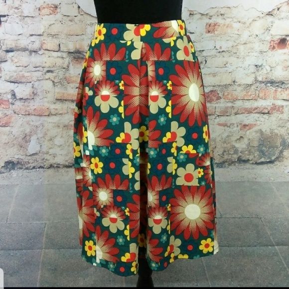 c7b8c61384 LuLaRoe Skirts | Nwt Madison Red Green Floral 2xl | Poshmark